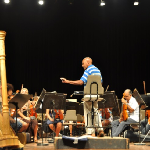 A rehearsal of the National Symphony Orchestra of Cuba conducted by a local composer (November 2015)
